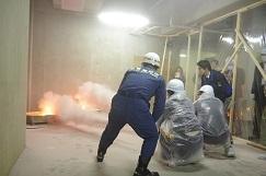 ~解体前の空きビルを有効利用~オフィス勤務者対象の体験型災害訓練の実施